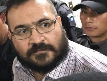 "Duarte niega robo de 60 mil millones de pesos: ""se invirtieron en Veracruz"", segura"