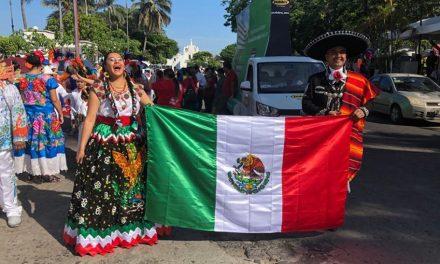 Realizan desfile por el Festival Internacional de las Artes en Veracruz