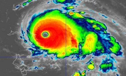 «Dorian» presenta vientos catastróficos
