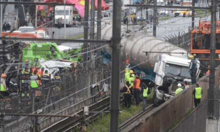 Metro Tepalcates podría reanudar operaciones el lunes tras choque de pipa