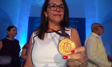 Entregan medalla Gonzalo Aguirre Beltrán en Veracruz
