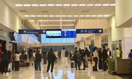 Retraso de horas en dos vuelos en el aeropuerto de Veracruz