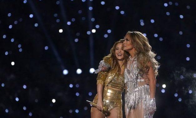 Espectáculo latino puso a bailar al Hard Rock Stadium