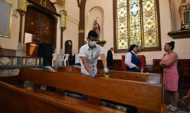 El miedo no anda en burro, señala Arzobispo de Xalapa ante escasa feligresía en misa