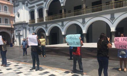 Se manifiesta gremio periodístico en Veracruz por asesinato de reportera en Papantla