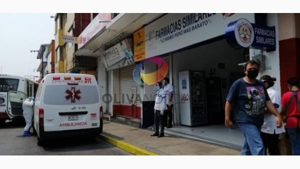 En farmacia, atienden a posible paciente de Covid-19; lo trasladan a Hospital Yanga