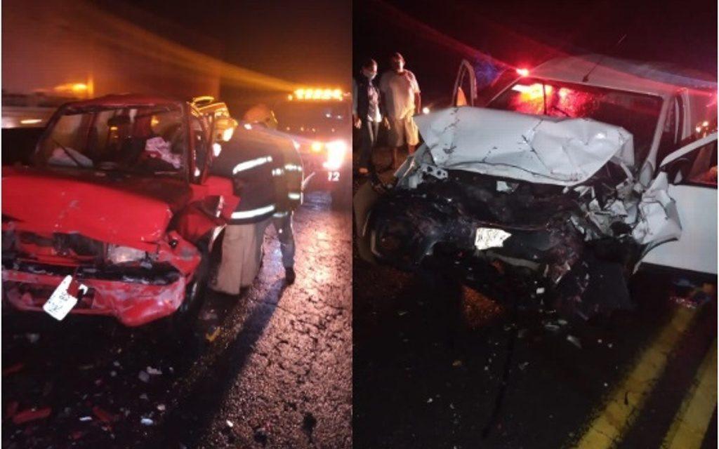 Un marino y un matrimonio severamente lesionados dejó como saldo un aparatoso accidente ocurrido la noche de este martes sobre el kilómetro 59 de la carretera federal Cuitláhuac-La Tinaja.