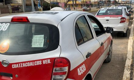 EXIGEN TAXISTAS DE COATZACOALCOS OPERATIVOS CONTRA UBER