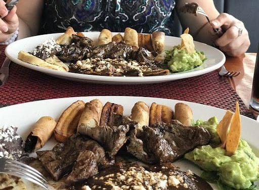 Restaurantes en Veracruz logran reactivarse «este mes es de mucho comer», señalan