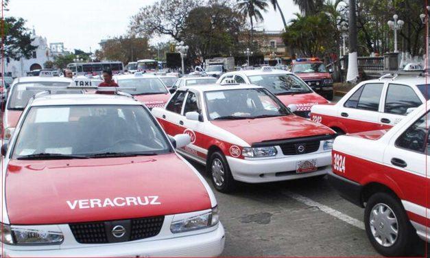 Disminuyó el trabajo para taxistas en Veracruz